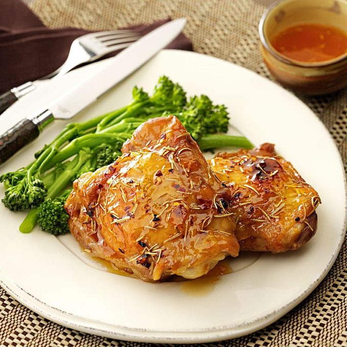 Spicy Apricot Chicken Thighs Exps113032 Baftf2307047b03 09 3brms