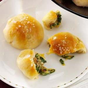 Spinach-Cheddar Crescent Bites