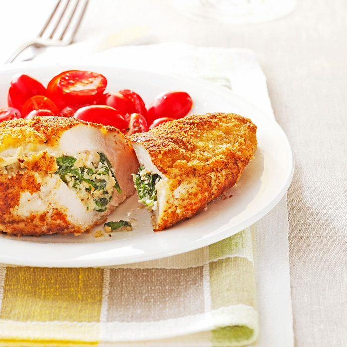 Spinach Stuffed Chicken Pockets Exps49471 Thcs133233a06 25 7bc Rms 2