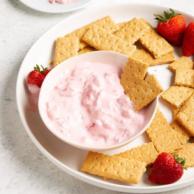 Strawberry Cream Dip Exps Ft21 17813 F 0512 1 5