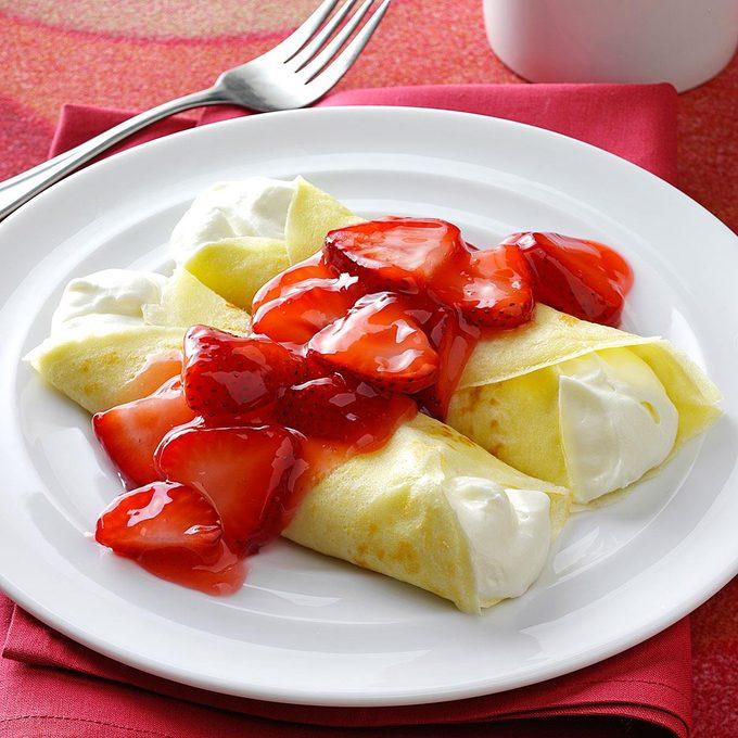 Strawberry Creme Crepes Exps25512 Bb2406671b09 02 3b Rms 2