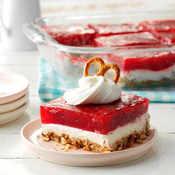 Strawberry Pretzel Dessert Exps Cpbz19 4444 E11 02 3b 3