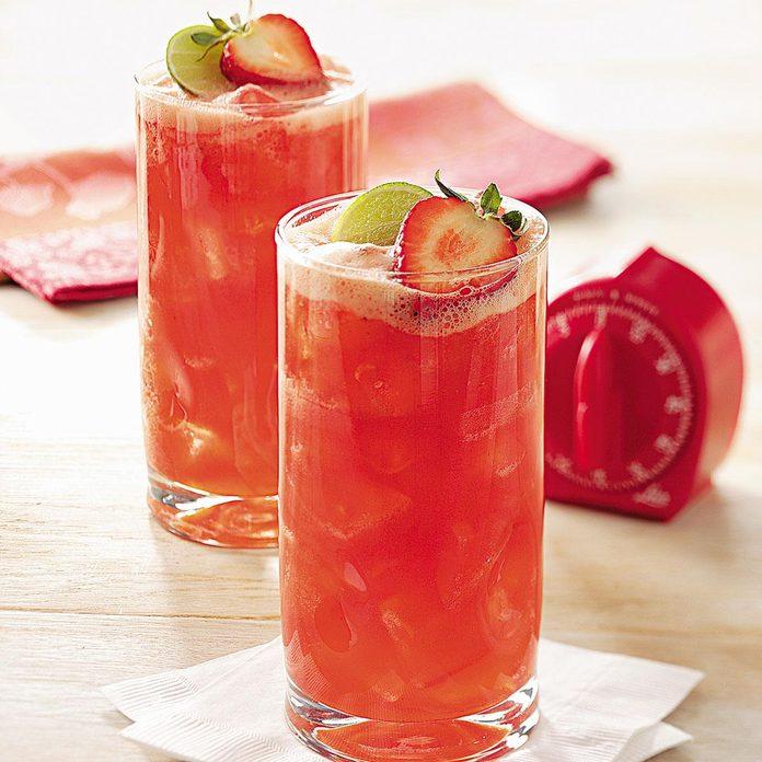 Strawberry Spritzer Exps23251 Sd19999443c04 19 4bc 2