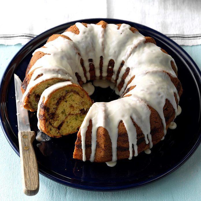 Streuseled Zucchini Bundt Cake Exps Sdjj18 24323 C02 16 5b 1