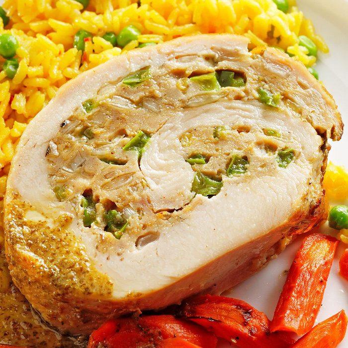 Stuffed Turkey With Mojo Sauce Exps Tohca22 110309 E08 26 2b Ap 2