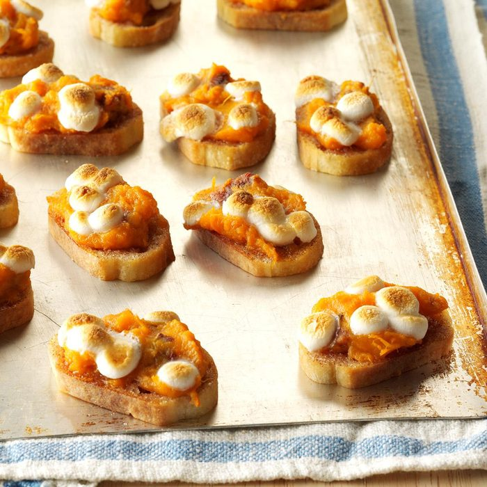 Sweet Potato Crostini Exps Sddj17 137070 C08 25 6b 5