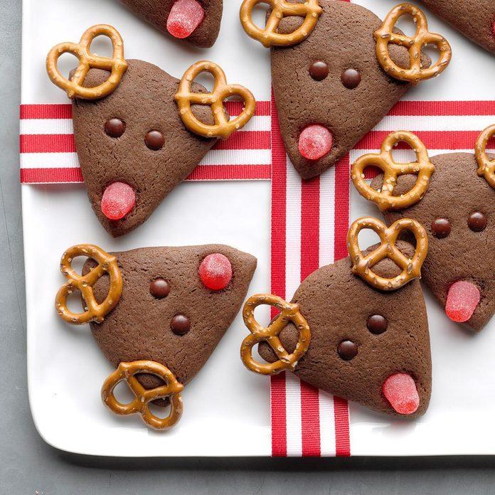 Sweet And Salty Chocolate Reindeer Exps Hccbz19 49585 B05 21 6b 2