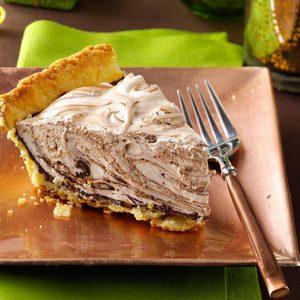 Swirled Chocolate Marshmallow Pie