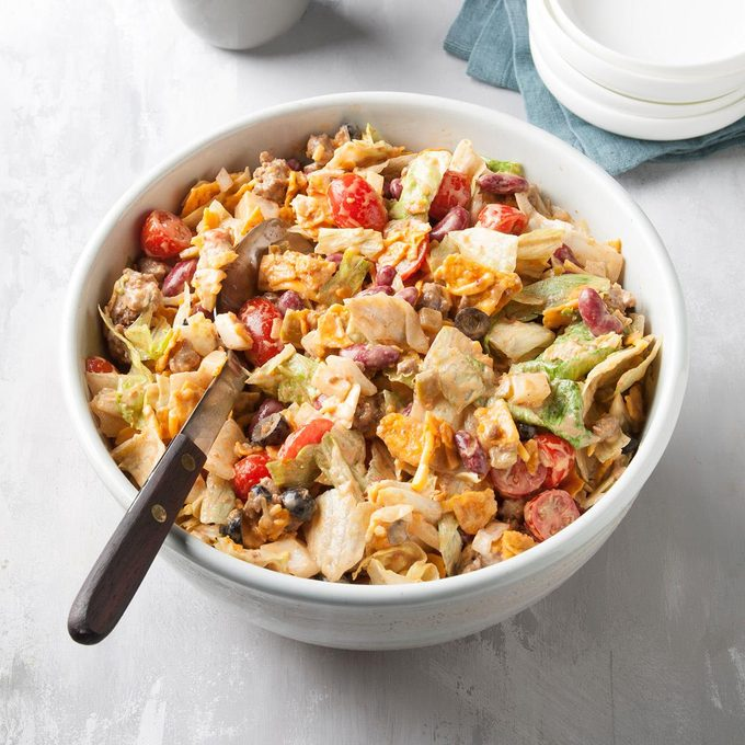 Taco Salad For A Large Crowd Exps Ft19 37957 F 0905 1 5