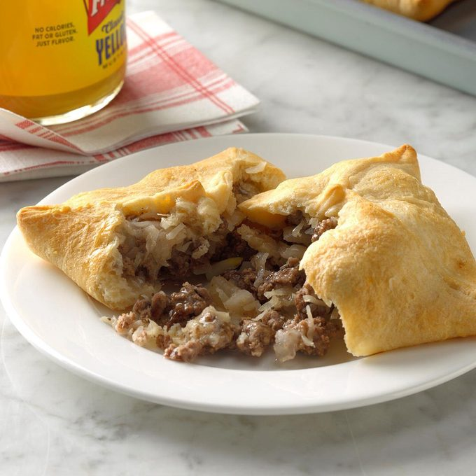 Tangy Beef Turnovers Exps Sdjj19 11821 B02 07 6b 4