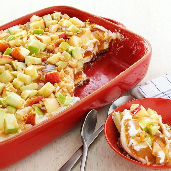 Tempting Caramel Apple Pudding with Gingersnap Crust