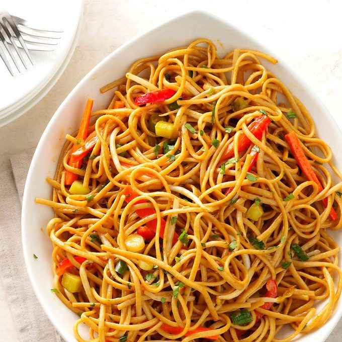 Thai Pasta With Spicy Peanut Sauce Exps111152 Sd143204b12 05 1bc Rms 2