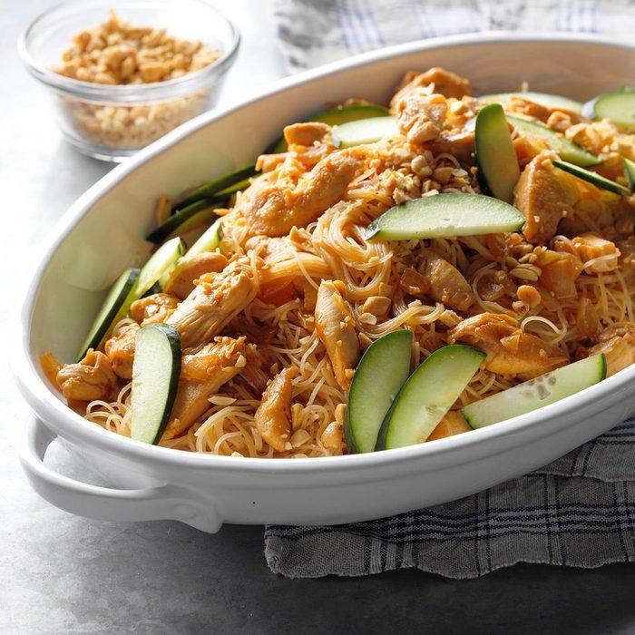 Thai Peanut Chicken And Noodles Exps Sdam18 207059 B12 07 6b 10