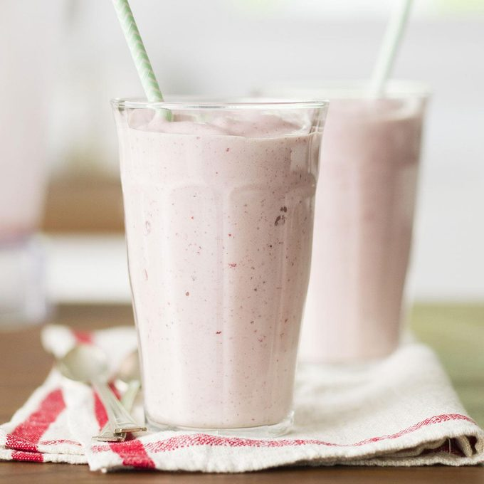 Thick Strawberry Shakes Exps Ghtjm17 38487 C01 31 4b 3