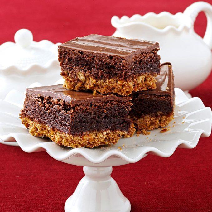 Triple Layer Pretzel Brownies Exps136133 Sd2401784d10 17 1bc Rms 2
