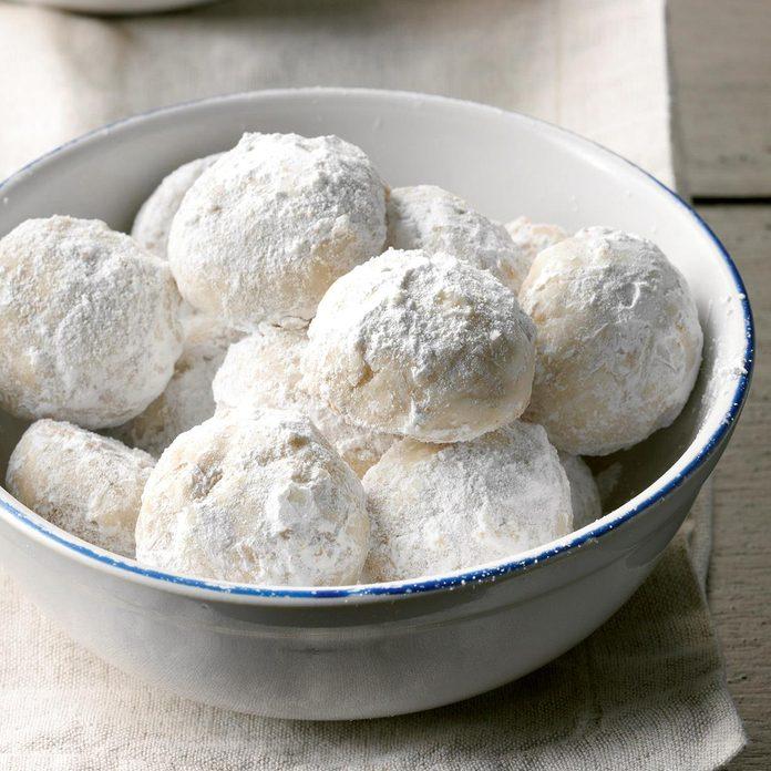 Hawaii: Macadamia Nut Snowballs