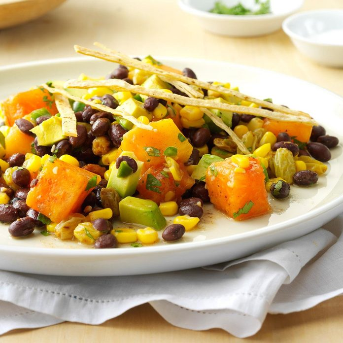 Tropical Fusion Salad With Spicy Tortilla Ribbons Exps47903 Sd143205a01 29 3bc Rms 4