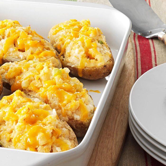 Tuna Stuffed Baked Potatoes Exps81992 Thhc2377564c07 03 2bc Rms 5