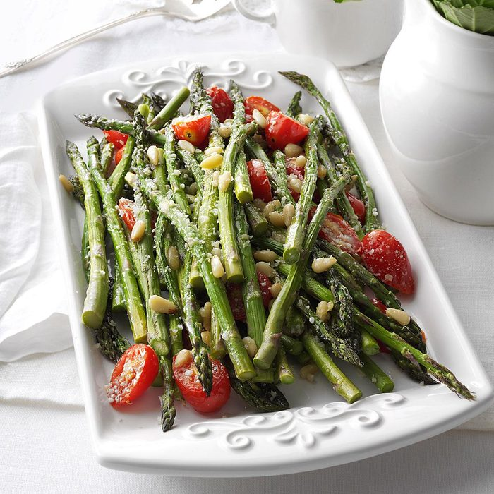 Tuscan Style Roasted Asparagus Exps87487 Th2379807d 10 22 3bc