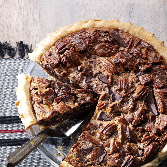 Ultimate Chocolate Chunk Pecan Pie Exps171618 Th133086a07 24 3bc Rms