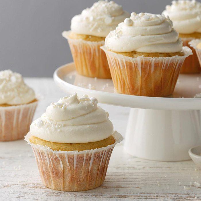 Vanilla Bean Cupcakes Exps Bw20 53092 B10 03 15b 11