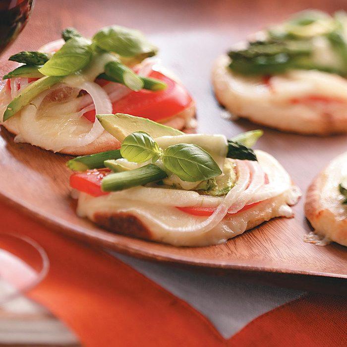 Veggie-Cheese Mini Pizzas