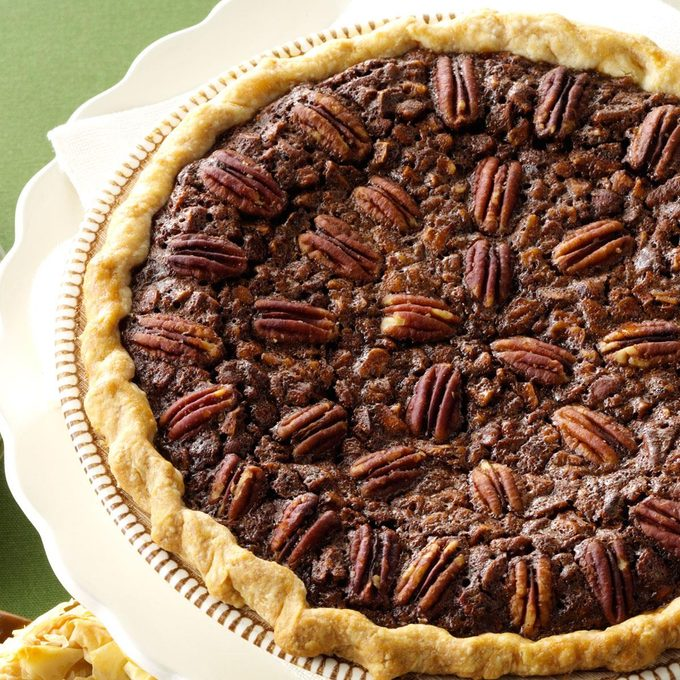 Velvety Chocolate Butter Pecan Pie Exps62402 Th2236620b06 13 3b Rms 11