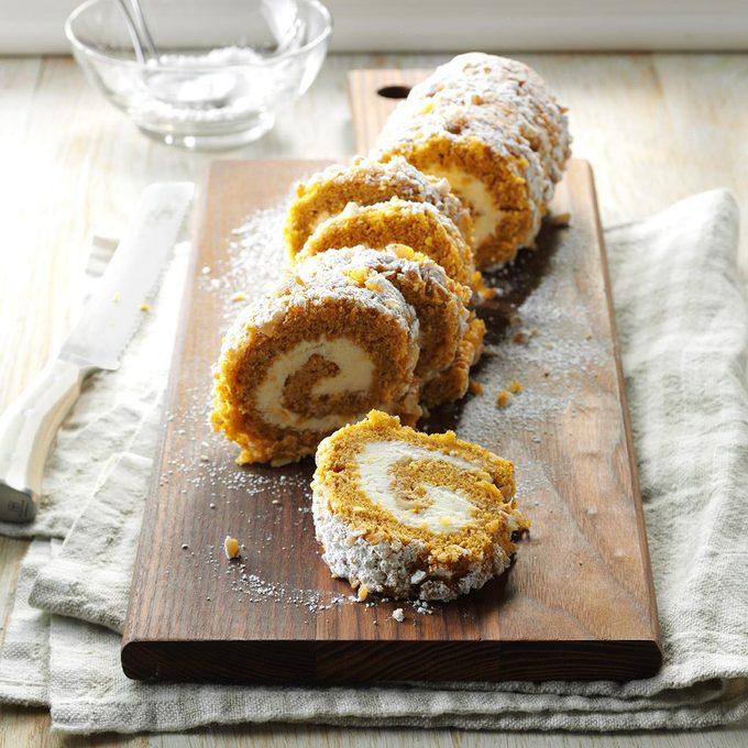 Walnut Pumpkin Cake Roll Exps Fbmz16 18913 A05 18 5b 6