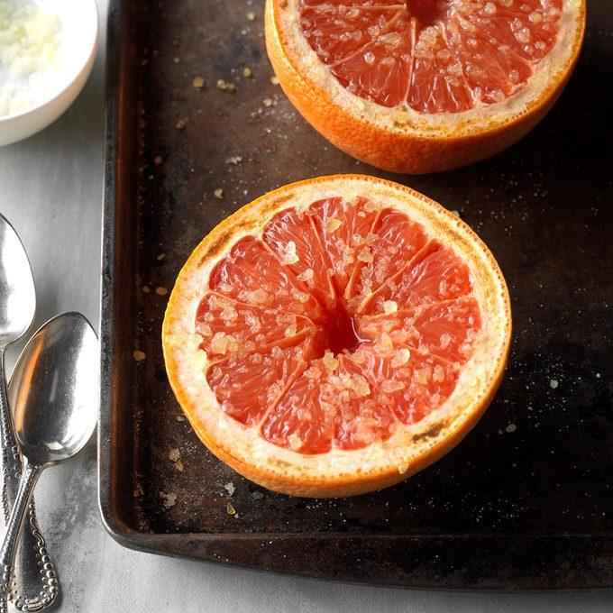 Warm Grapefruit With Ginger Sugar Exps Hck19 40553 C06 22 1b