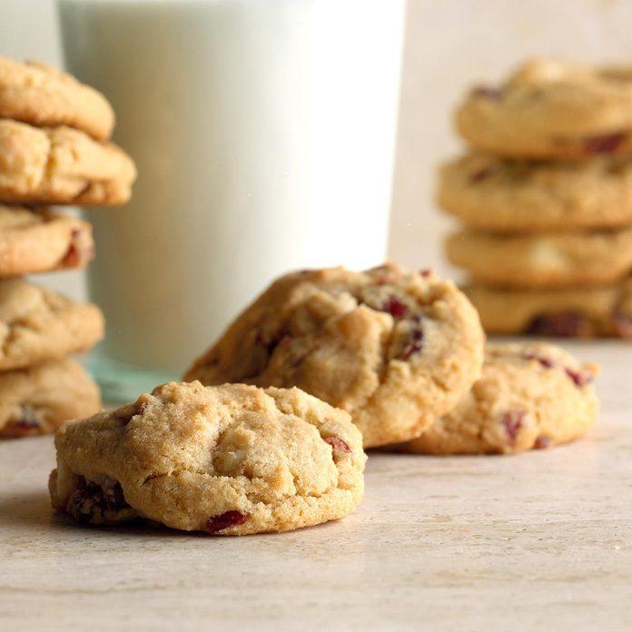 White Chocolate Cranberry Cookies Exps Hccbz19 34899 B05 30 2b 4