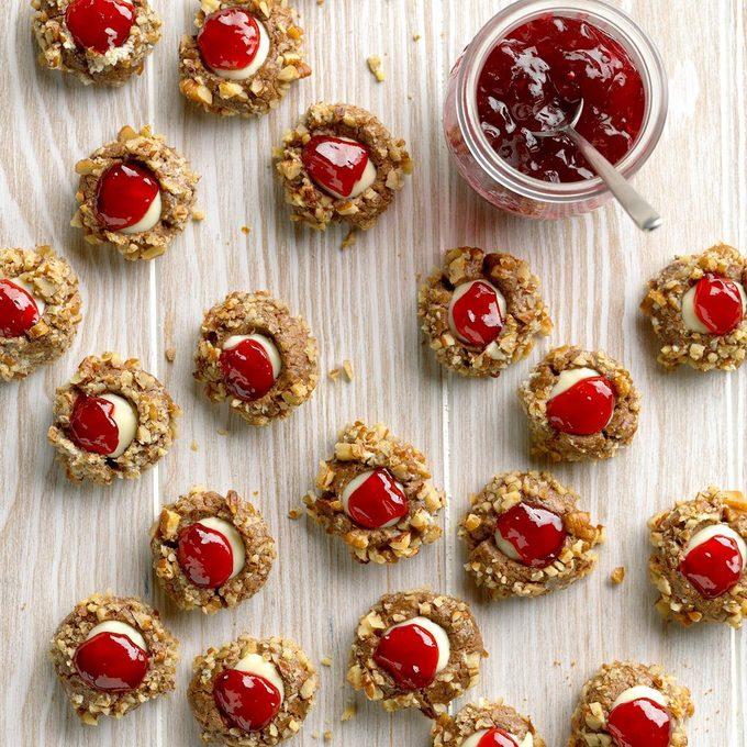 White Chocolate Raspberry Thumbprints Exps Hcbz19 39292 B05 14 1b 6