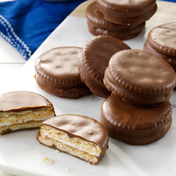 Yummy Cracker Snacks Exps39576 Nbc143387b01 16 7bc Rms 5