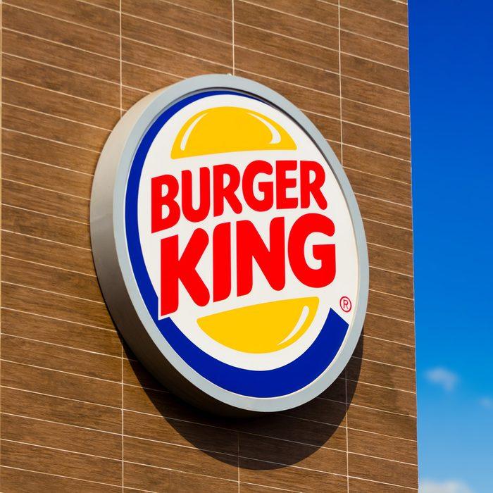 GLóRIA DE DOURADOS, BRAZIL - 2020/09/15: The logo of Burger King at one of its stores in Dourados, Mato Grosso do Sul. (Photo by Rafael Henrique/SOPA Images/LightRocket via Getty Images)
