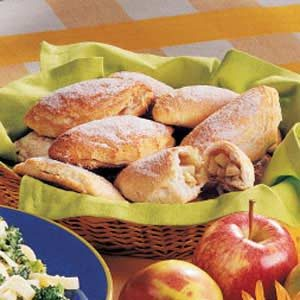 Apple Cinnamon Turnovers