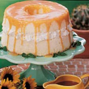 Angel Food Cake With Caramel Sauce