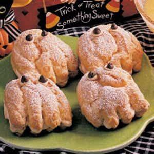 Spooky Cream Puffs