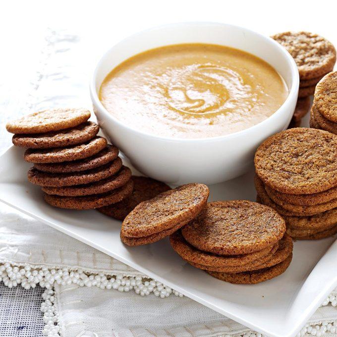 Spice Cookies with Pumpkin Dip