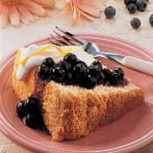 Sponge Cake with Blueberry Topping