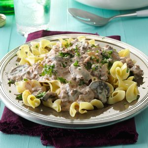 Slow-Cooker Ground Beef Stroganoff