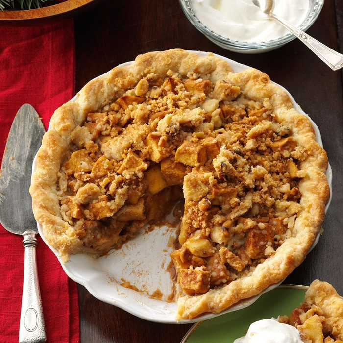 Caramel Apple Pie with Streusel Topping