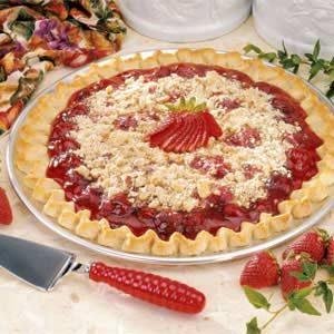 Streusel Strawberry Pizza