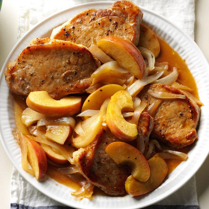 Skillet Pork Chops with Apples & Onion