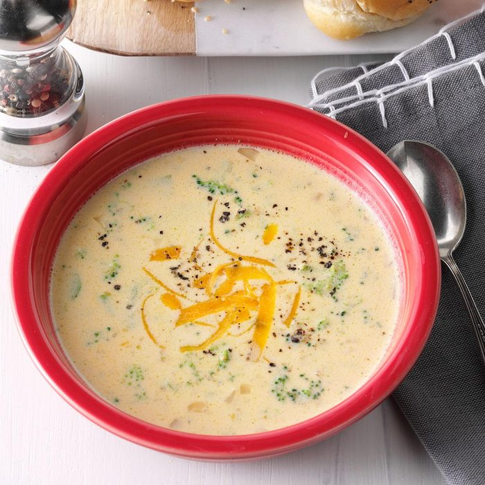 Slow-Cooker Cheesy Broccoli Soup