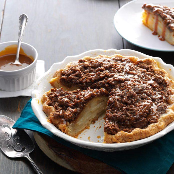 Gingersnap Crumb Pear Pie