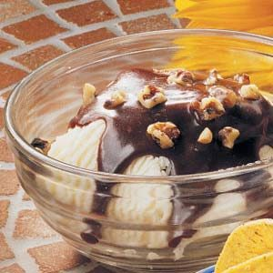 Cinnamon Chocolate Sundaes