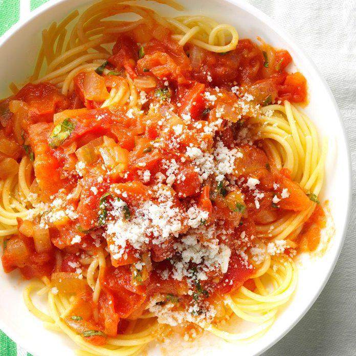 Day 22: Spaghetti with Fresh Tomato Sauce