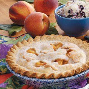 Fresh and Creamy Peach Pie