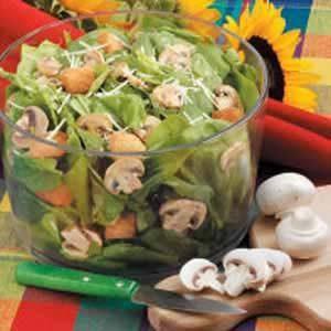 Chive-Mushroom Spinach Salad