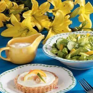 Creamy Blue Cheese Salad Dressing