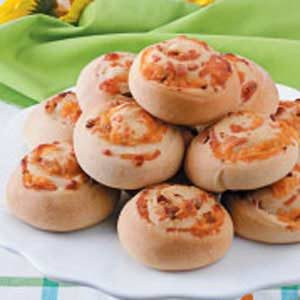 Bacon-Cheese Pinwheel Rolls